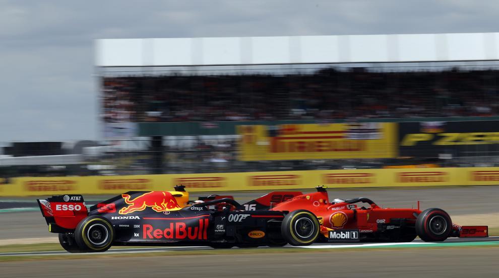 Verstappen y Leclerc, en Silverstone.