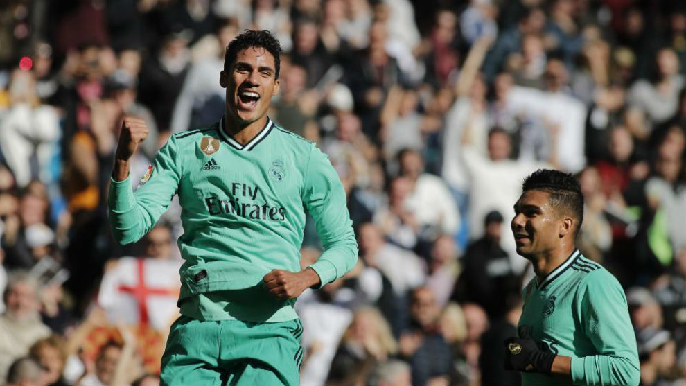 Varane celebra el gol marcado al Espanyol.