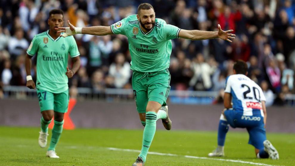 Benzema celebra el segundo gol del partido.