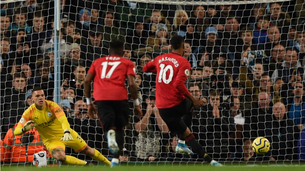 Rashford abre el marcador desde el punto de penalti