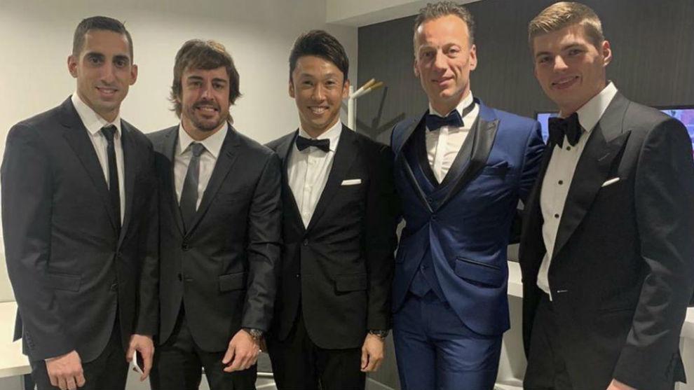 Alonso, en la Gala de la FIA con Buemi, Nakajima o Verstappen.