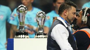 Mohamed quiere volver a levantar un título de liga.