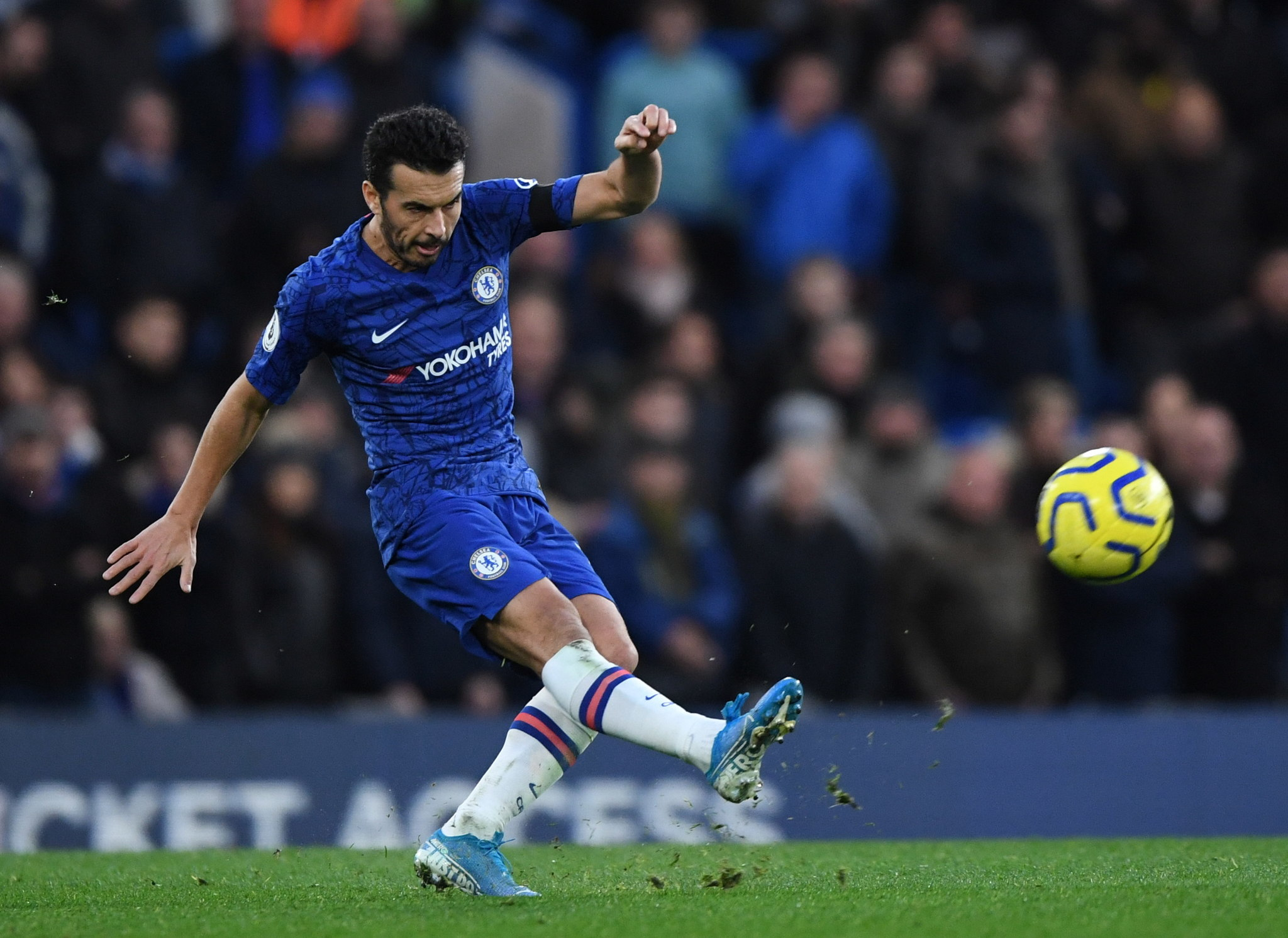 London (United Kingdom), 30/11/2019.- <HIT>Chelsea</HIT>s <HIT>Pedro</HIT> aims to score during the English Premier League soccer match between <HIT>Chelsea</HIT> FC and West Ham United at Stamford Bridge in London, Britain, 30 November 2019. (Reino Unido, Londres) EFE/EPA/FACUNDO ARRIZABALAGA EDITORIAL USE ONLY. No use with unauthorized audio, video, data, fixture lists, club/league logos or live services. Online in-match use limited to 120 images, no video emulation. No use in betting, games or single club/league/player publications