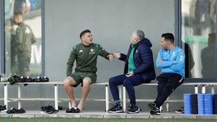 Joaquín bromea con Rafael Gordillo.