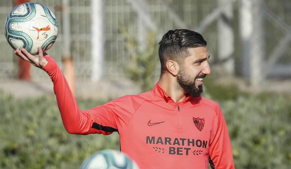 Dabbur, en un entrenamiento del Sevilla.