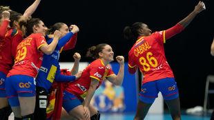 Las españolas celebran una victoria en el Mundial de Japón /