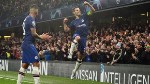 Azpilicueta celebra el segundo tanto del Chelsea ante el Lille.