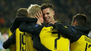 Dortmund celebra el pase.
