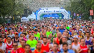 Cientos de aficionados, en el maratón de Málaga
