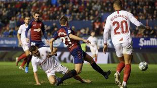 Jugada del Osasuna-Sevilla del pasado domingo 8 de diciembre en El...