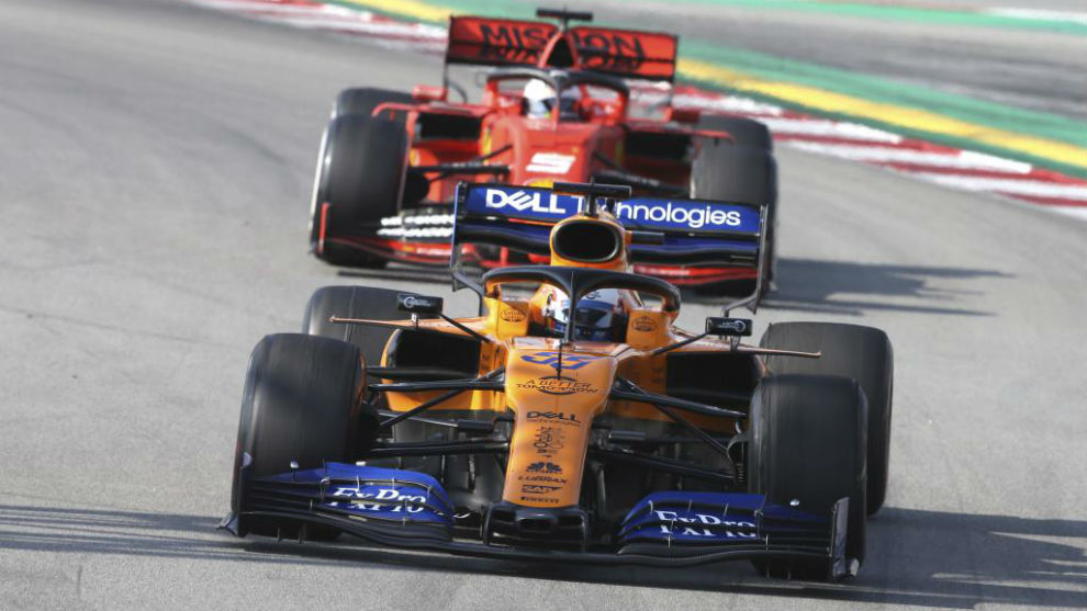 Vettel, tras Sainz, en un Gran Premio de 2019.