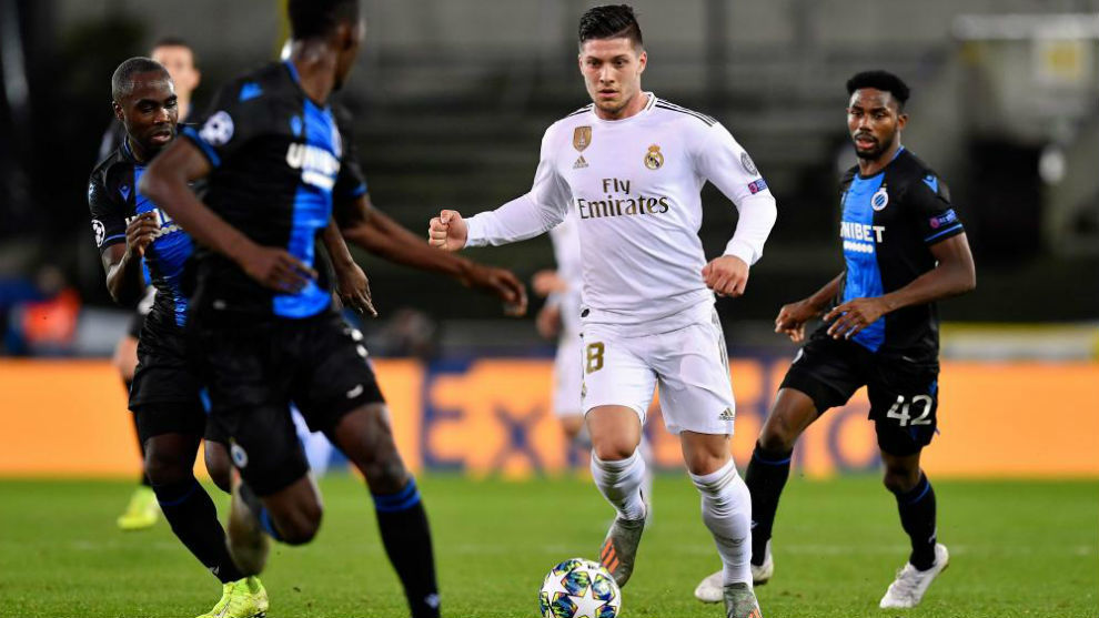 Jovic controls a ball in the match against Bruges.