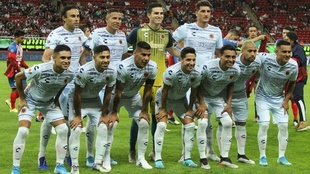 Alineación de los Tiburones Rojos en un partido del Apertura 2019.