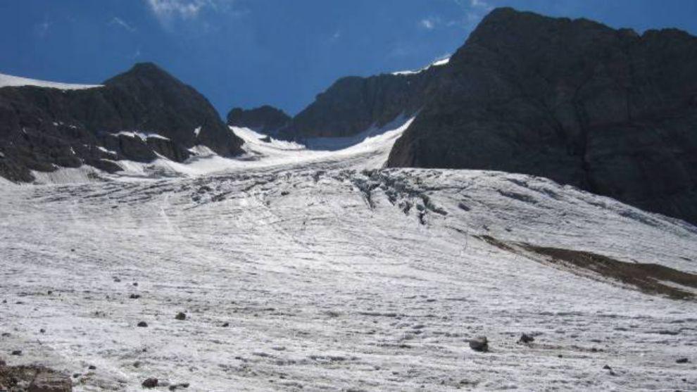 Una imagen del retroceso del glaciar italianod e la marmolada, en las...