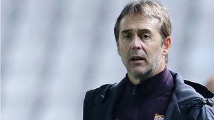 El técnico sevillista Julen Lopetegui (53) en el partido frente al...