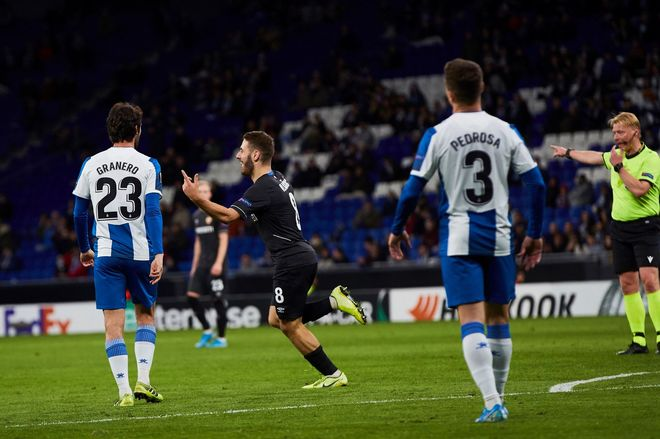 El centrocampista croata Nikola Vlasic celebra su gol