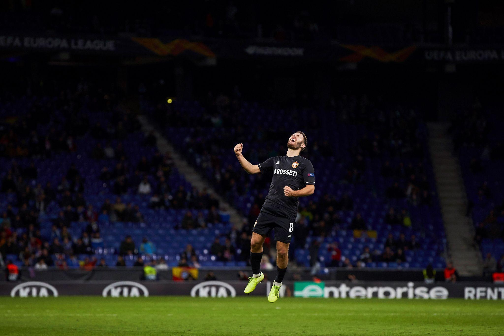 Nikola Vlasic celebra su gol