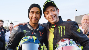 Lewis Hamilton y Valentino Rossi.