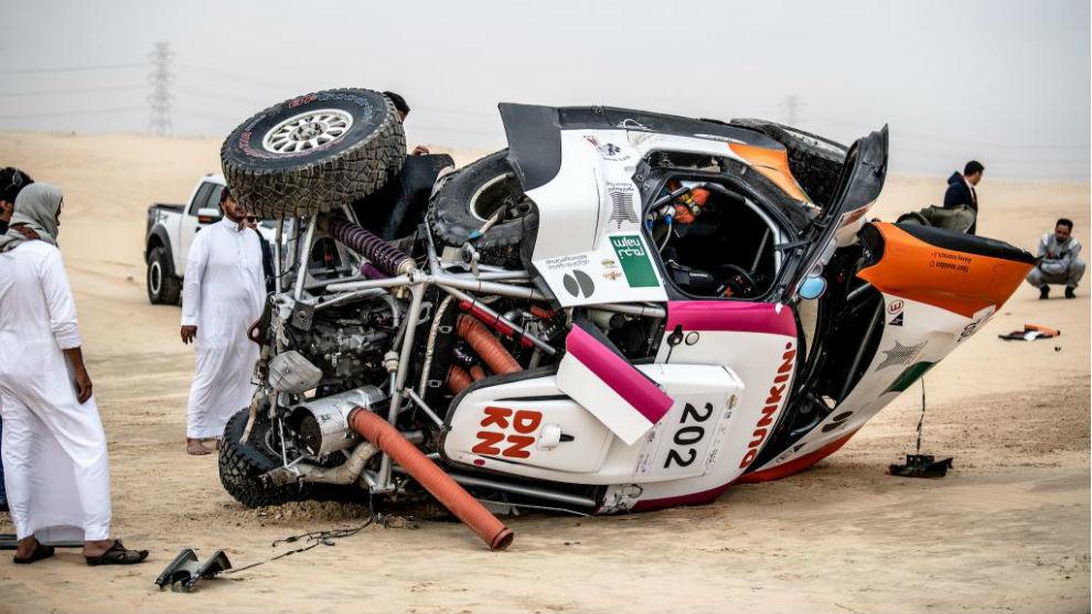 El buggy Mini, destrozado.