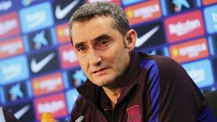 Valverde en rueda de prensa.