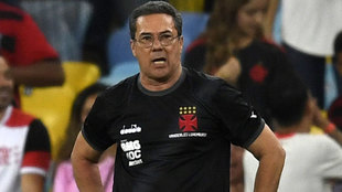 Vanderlei Luxemburgo, entrenador del Vasco de Gama.