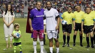 Cuauhtémoc vende a Ronaldinho