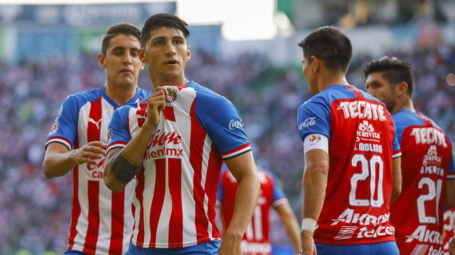 Alan Pulido quiere retirarse en Chivas.