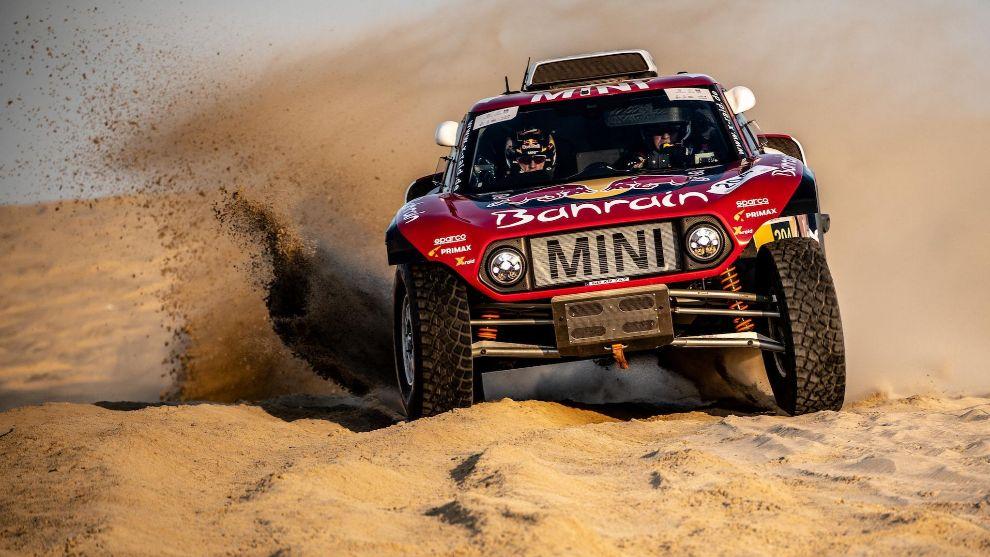 Carlos Sainz no arriesgó pensando en el Dakar.