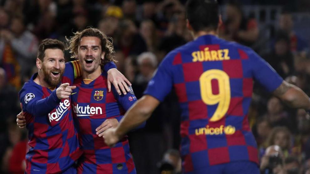 Messi, Suárez y Griezmann, celebran un gol con el Barça.