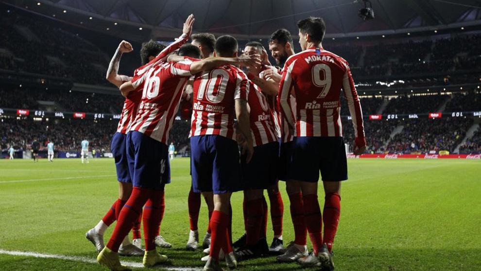 Los jugadores del Atlético celebran un gol.