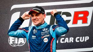 Norbert Michelisz (Hyundai), campeón de la Copa del Mundo de Turismos...