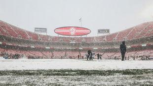Vista del estadio de los Chiefs, asediado por la nieve