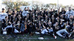 Los Dracs celebran el título copero.