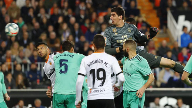 Valencia Vs Real Madrid: Courtois: I'm Two Metres Tall And