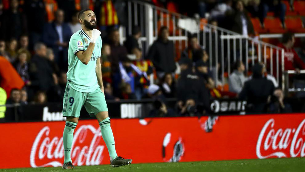 Karim Benzema scored late at Mestalla