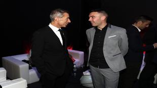 El director deportivo del Atlético de Madrid, Andrea Berta, junto a...