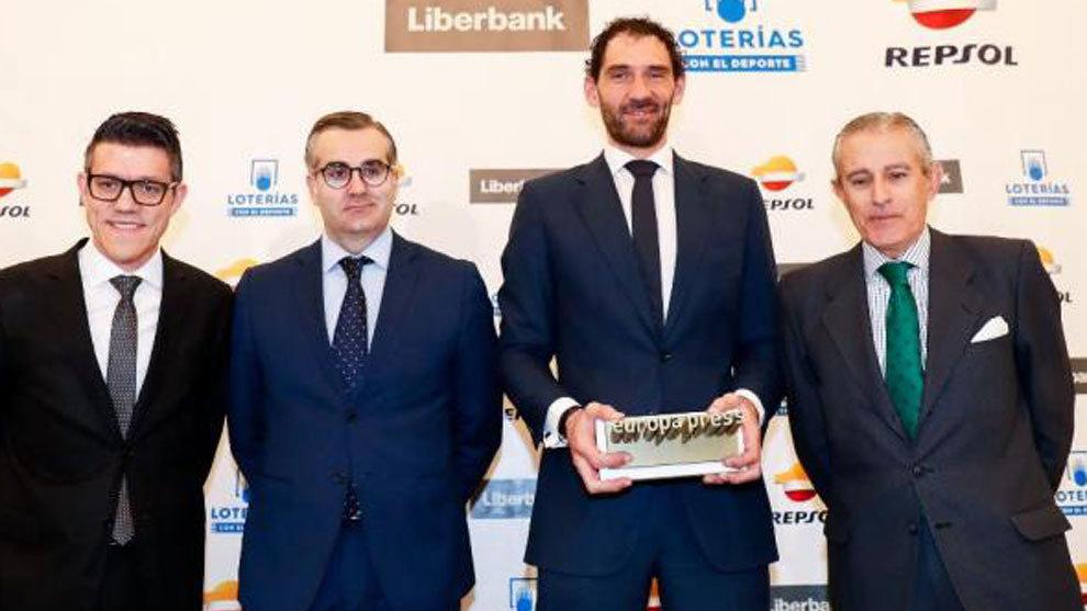 Jorge Garbajosa recibe el I Premio de Europa Press Deportes