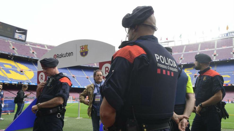 Mossos d'Esquadra en el Camp Nou