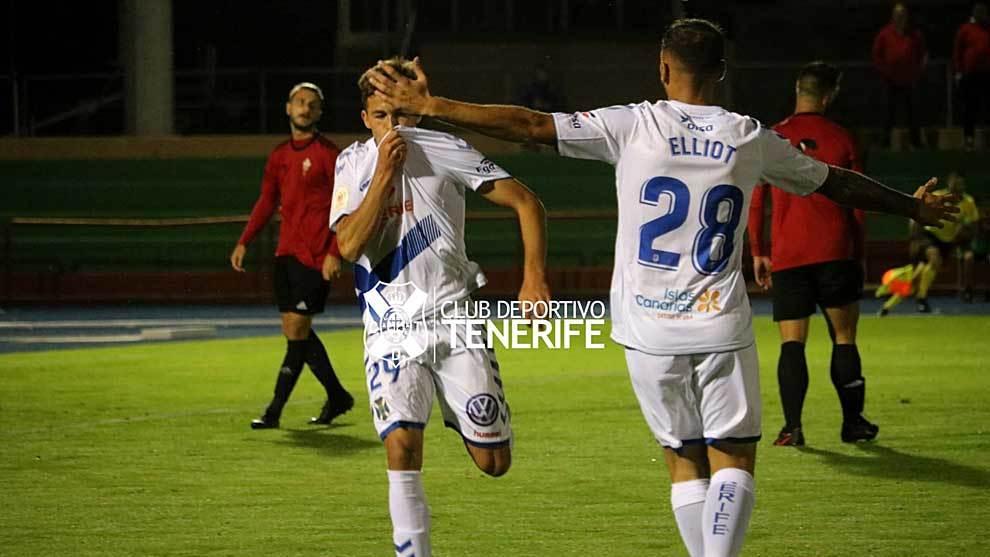 Jorge celebra el primer gol del Tenerife en La Palma