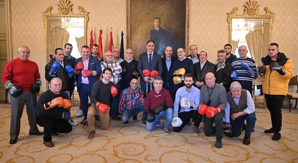 Los gladiadores charros en la recepción del Ayuntamiento de Salamanca