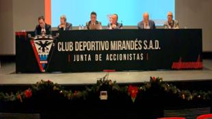 Imagen de la Junta de accionistas del club de Anduva
