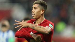 Firmino celebra su gol que ha dado el pase a la final al Liverpool...