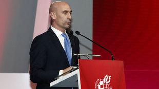 Luis Rubiales durante su intervención en la II Gala Anual de fútbol...