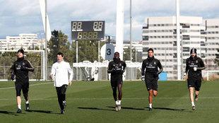 Ramos, Mendy, Varane y Benzema, durante el entrenamiento.