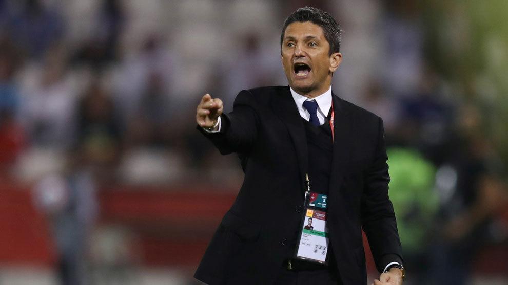 Razvan Lucescu durante el juego ante el Flamengo