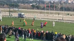 La carrera más divertida de dinosaurios que arrasó en el Hipódromo de La Zarzuela