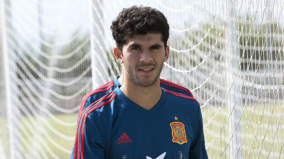 Aleñá, antes de un entrenamiento con España sub 21.