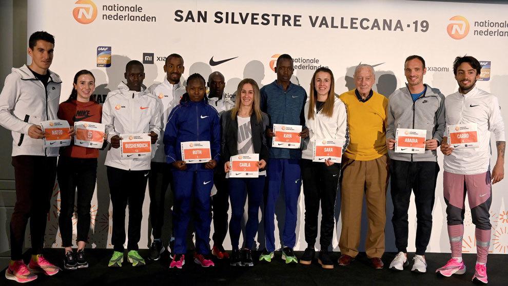 Algunos de los participantes de la San Silvestre Vallecana con el...