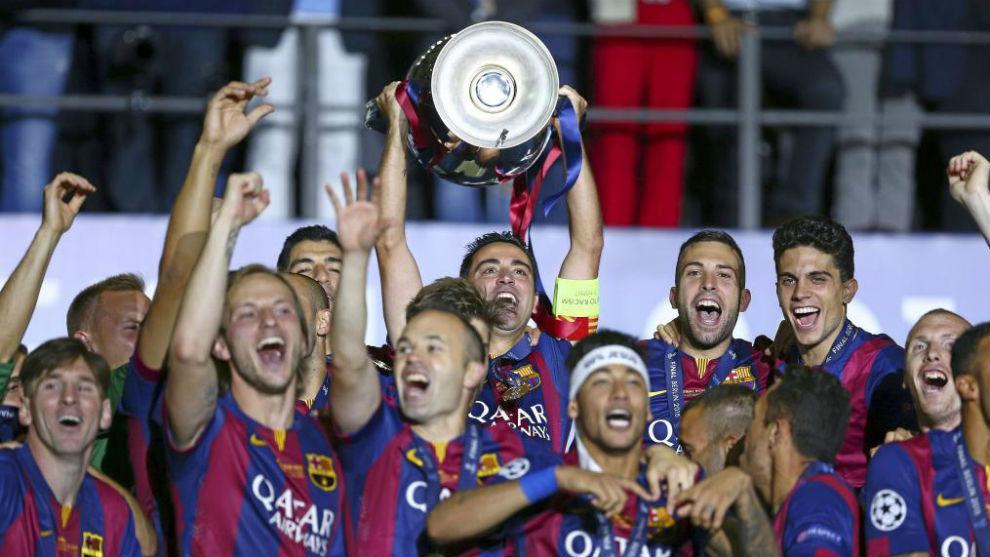 Jugadores del Barcelona, con la Champions de la 14-15