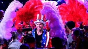 Tyson Fury hace su entrada en su primera pelea en Las Vegas.